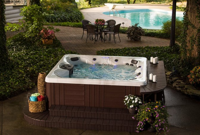 Lower the Cost of Running Your Hot Tub: 8 Tips