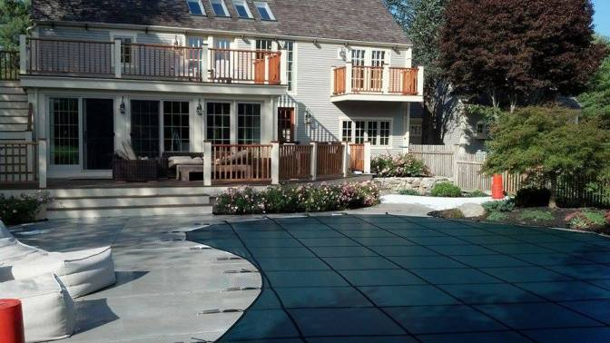 Choosing the Best Safety Cover for Your Pool