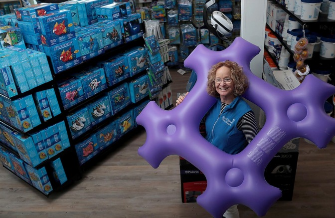 Tracy's Tips: Checking Pool Floats and Toys for Leaks